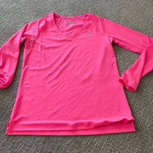 Under armour hot pink long sleeve women's M